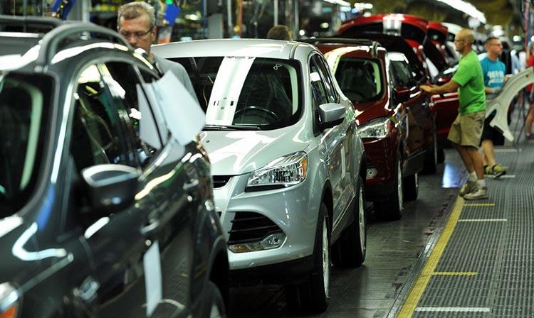 фото конвейера на заводе Форд: где собирают Форд Эксплорер