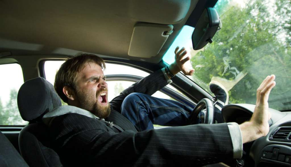 Отказали тормоза: что делать в экстренной ситуации?